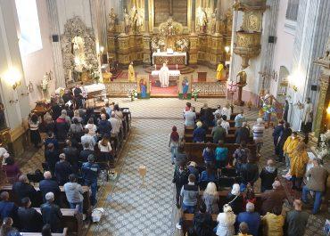 Українська греко-католицька Літургія на парафії Покрови Богородиці УГКЦ  в Будапешті пройшла у церкві св. Михаїла. Її проводив отець Дам'ян